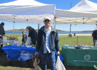 Oyster Bay Cleanup Day
